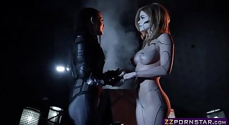 Power Ranger chick entice a hot robotic humanoids pussy