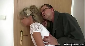 Parents trick their son&#039_s GF into 3some sex